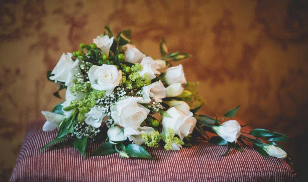 Wedding Flowers In Cheltenham : Cheltenham florist deena hicks bespoke floristry